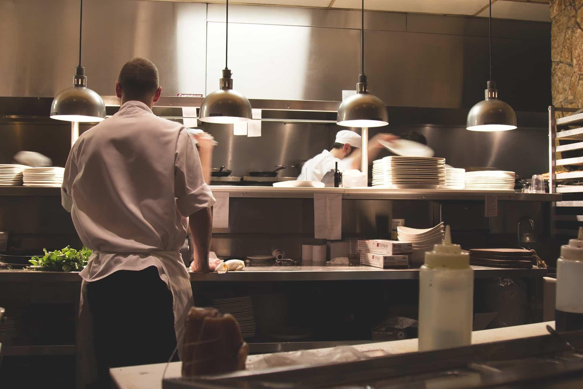 kitchen 731351 1920 - การเข้าเล่มงานพิมพ์เมนูอาหารแบบต่างๆ