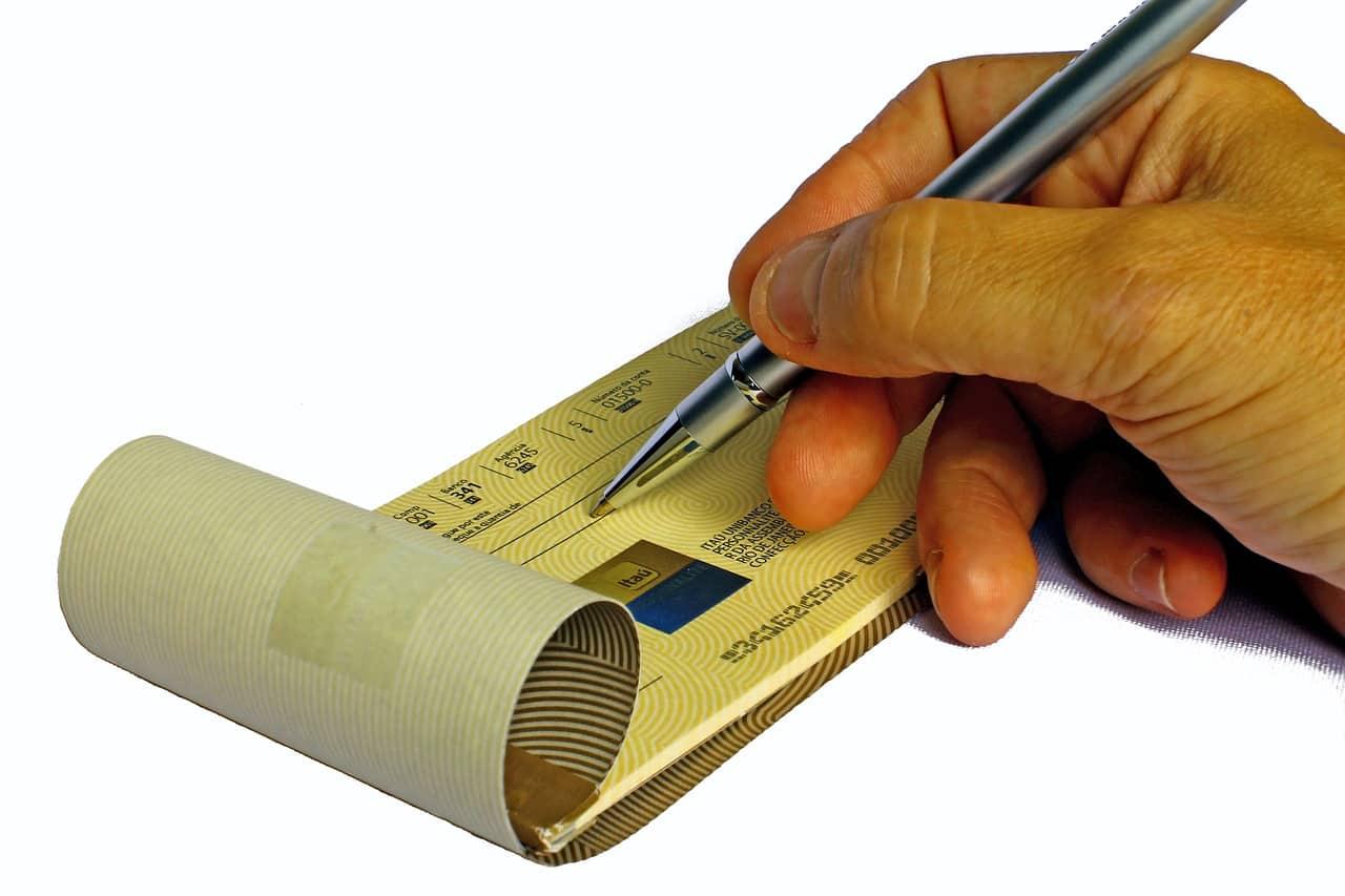 checkbook 688352 1280 - ประเภทของงานพิมพ์คูปองแบบต่างๆ