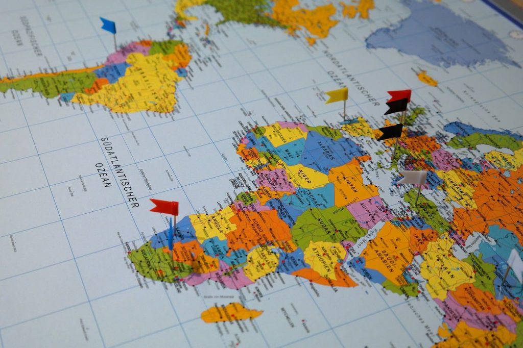 destinations 235942 1280 1 1024x682 - ความหมายของสีต่างๆ ที่แสดงในแผนที่ รู้แล้วจะเข้าใจการดูแผนที่มากขึ้น