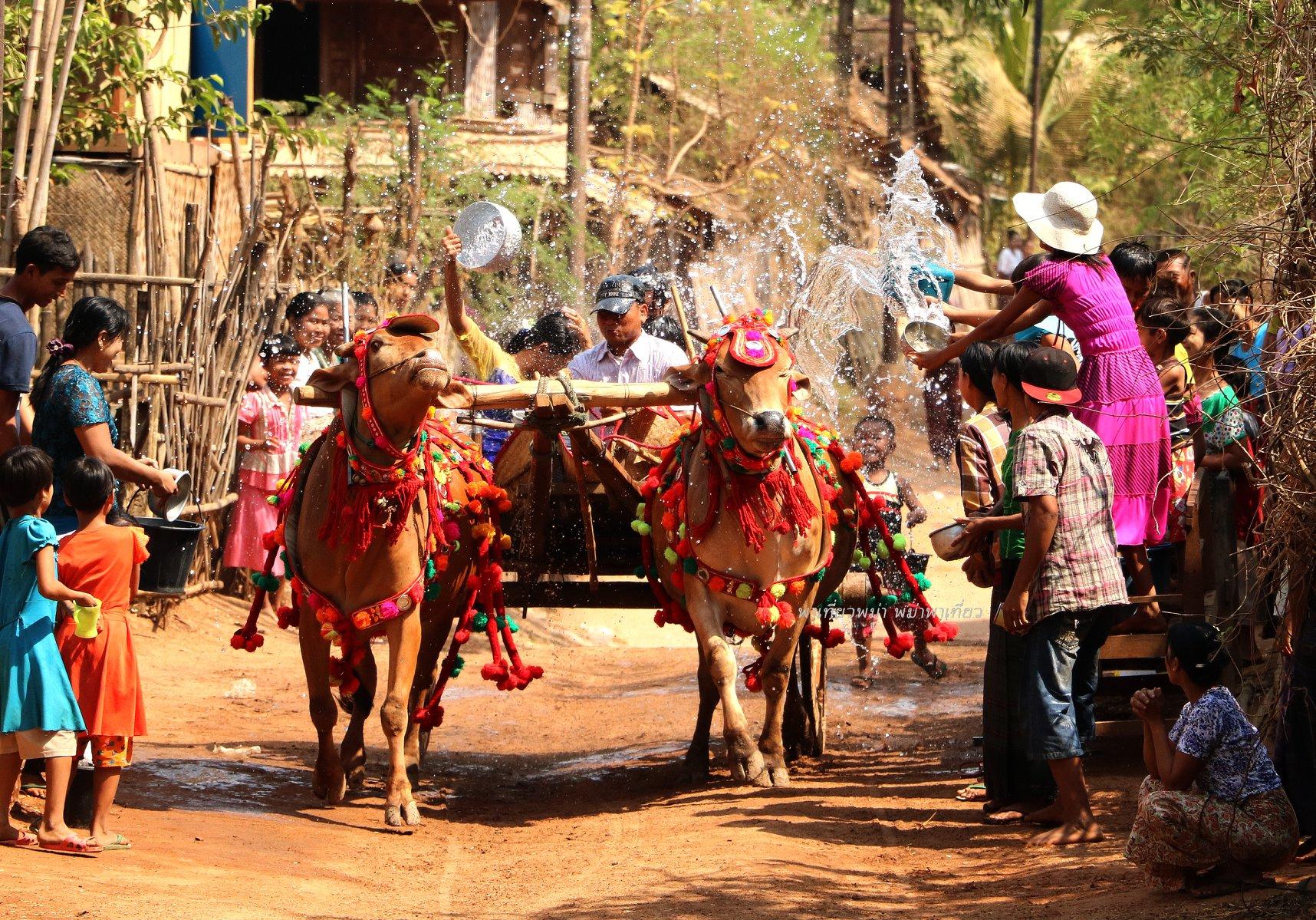 สงกรานต์ที่พม่า - ชวนมารู้... ประเพณีสงกรานต์จากประเทศเพื่อนบ้านที่ควรได้ไปสัมผัสสักครั้ง