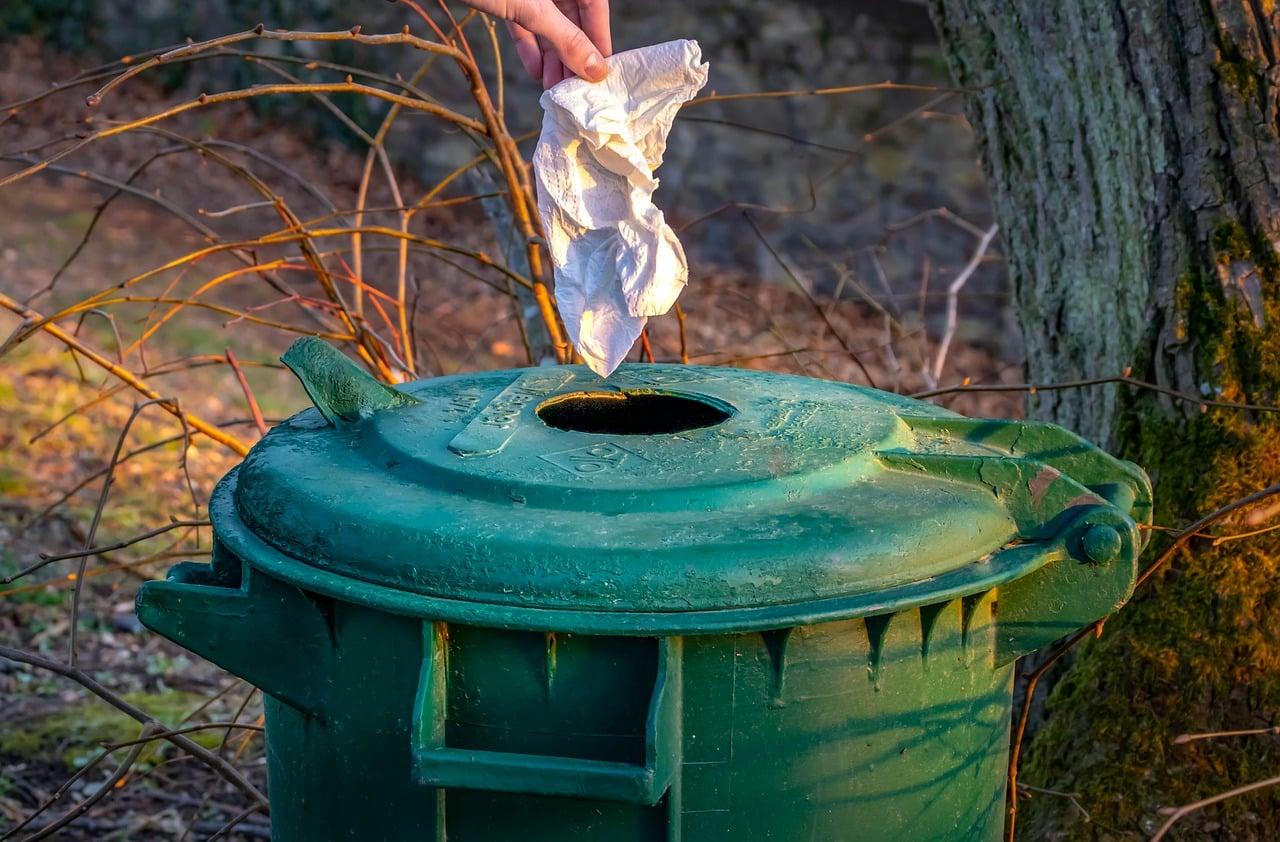 garbage 4090382 1280 - บอกลาวันหยุดแสนน่าเบื่อไปทำกิจกรรมเพื่อสังคมกันดีกว่า!