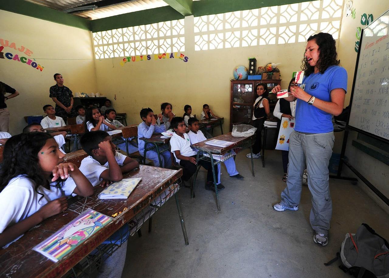 school 79612 1280 - บอกลาวันหยุดแสนน่าเบื่อไปทำกิจกรรมเพื่อสังคมกันดีกว่า!