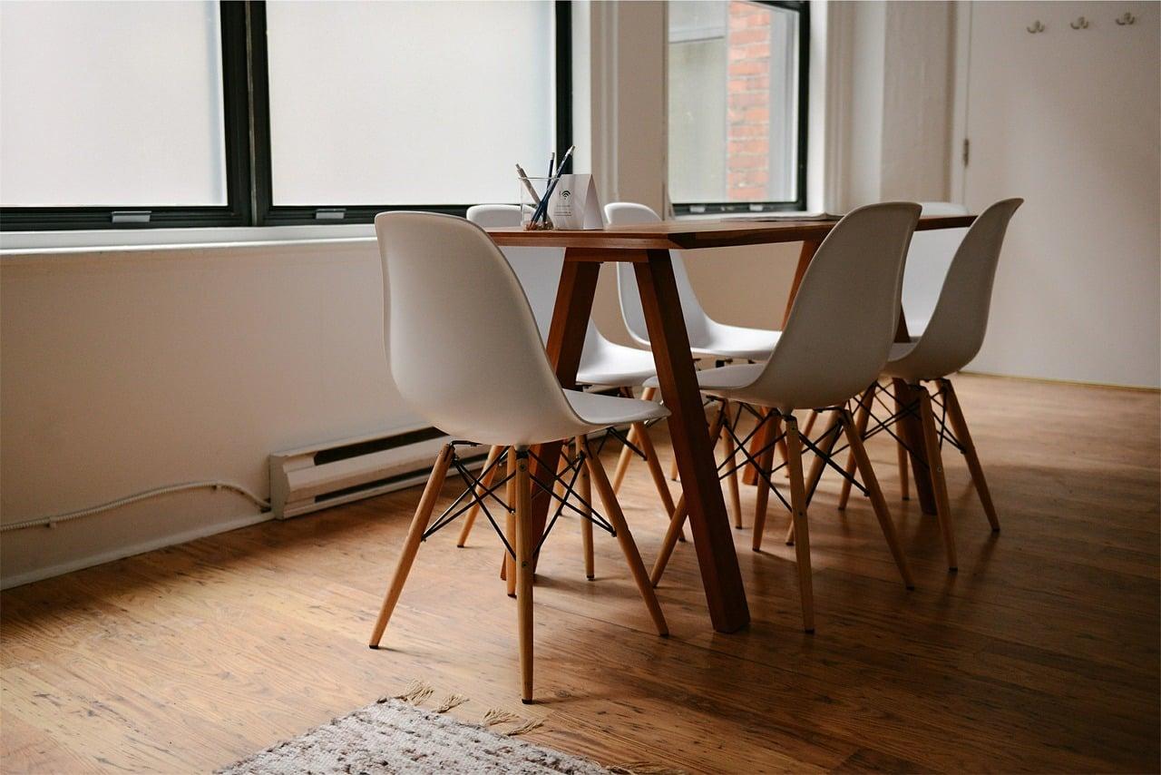 table 629772 1280 - ออกกำลังกายได้ด้วยของใช้ในบ้าน ไม่ต้องง้อเครื่องออกกำลังกายแพงๆ อีกต่อไป