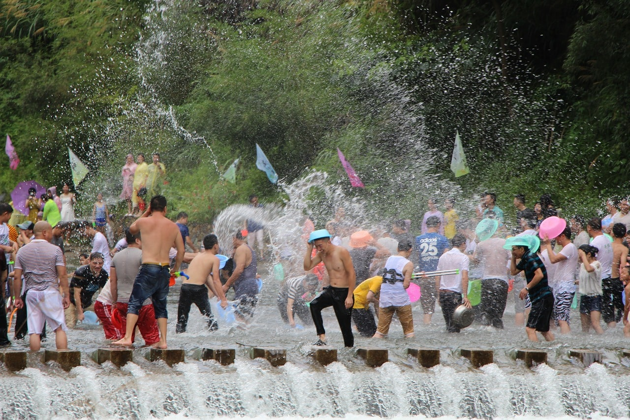 water-fight-989540_1280