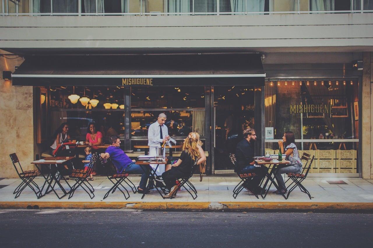 bar 1846137 1280 - การเริ่มต้นทำธุรกิจร้านอาหาร มีขั้นตอนอะไรบ้าง