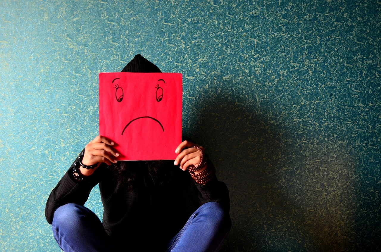 unhappy 389944 1280 - 5 พฤติกรรมที่วัยรุ่นมัก 'เผลอ' ทำให้พ่อแม่เสียใจโดยไม่รู้ตัว
