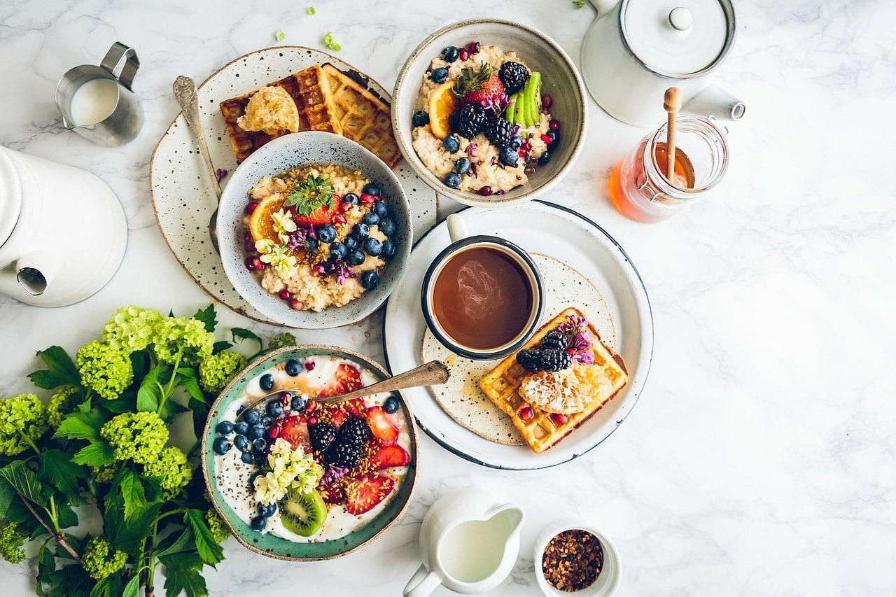 food 2569257 1280 - 4 นิสัยการกินที่ต้องเลิก หากอยากเป็นสายรักสุขภาพ