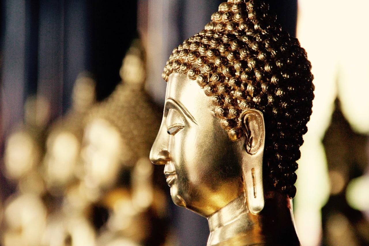 bangkok 1128314 1280 - แนะนำ 6 กิจกรรม ที่ชาวพุทธพึงกระทำในวันเข้าพรรษา ปี 2563