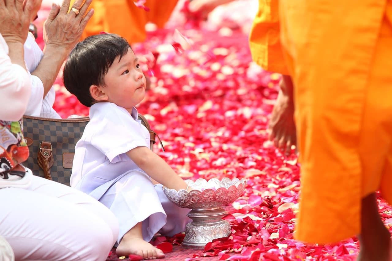 buddhists 455855 1280 - แนะนำ 6 กิจกรรม ที่ชาวพุทธพึงกระทำในวันเข้าพรรษา ปี 2563