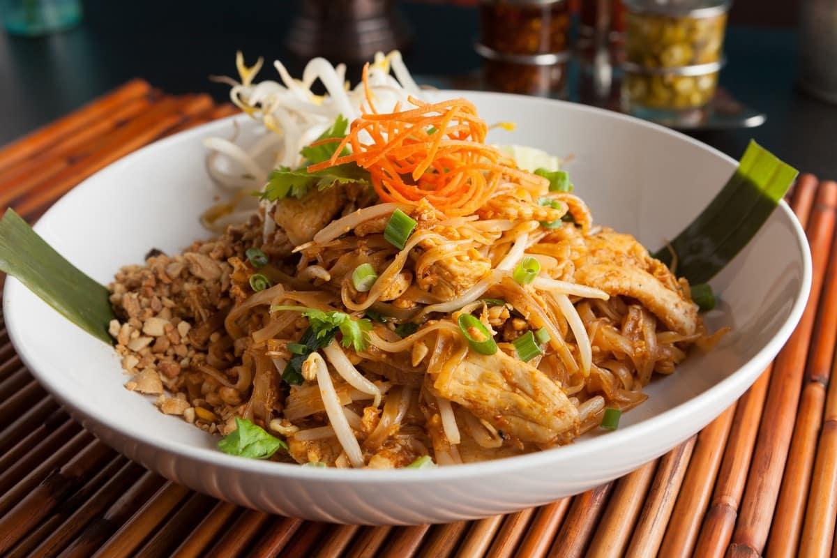 อร่อยเด็ดเหมือนแม่ทำ ผัดไทย - ต้อนรับวันแม่ ! รวมโปรโมชั่นจาก GET FOOD ที่อร่อยเด็ดเหมือนแม่ทำ