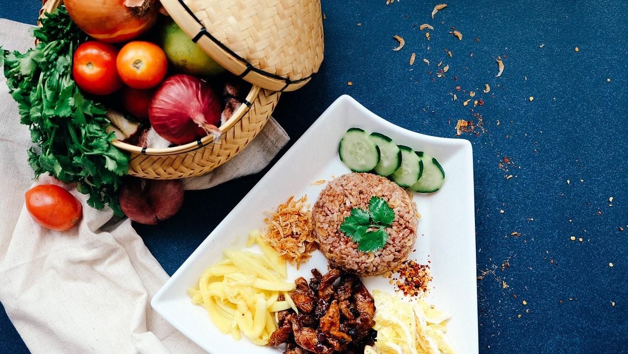 food 1022674 1280 - แจกฟรี ! รายการเมนูอาหารยอดนิยมร้านตามสั่ง สำหรับใช้ออกแบบเมนูอาหาร