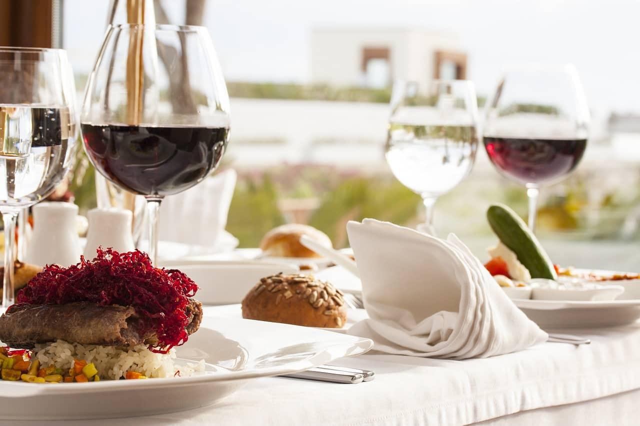 food 2373414 1280 - 10 ตัวอย่างงานออกแบบเมนูเครื่องดื่ม ป้ายเมนูเครื่องดื่มที่ดีไซน์สวย
