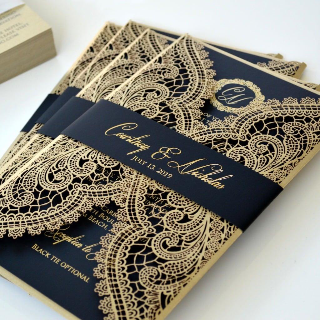 wedding card 01 - พาชม 10 ตัวอย่างการ์ดเชิญงานแต่ง ที่ออกแบบมาสวยหรู ดูไฮโซ
