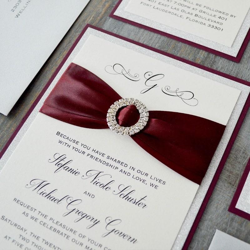 wedding card 03 - พาชม 10 ตัวอย่างการ์ดเชิญงานแต่ง ที่ออกแบบมาสวยหรู ดูไฮโซ
