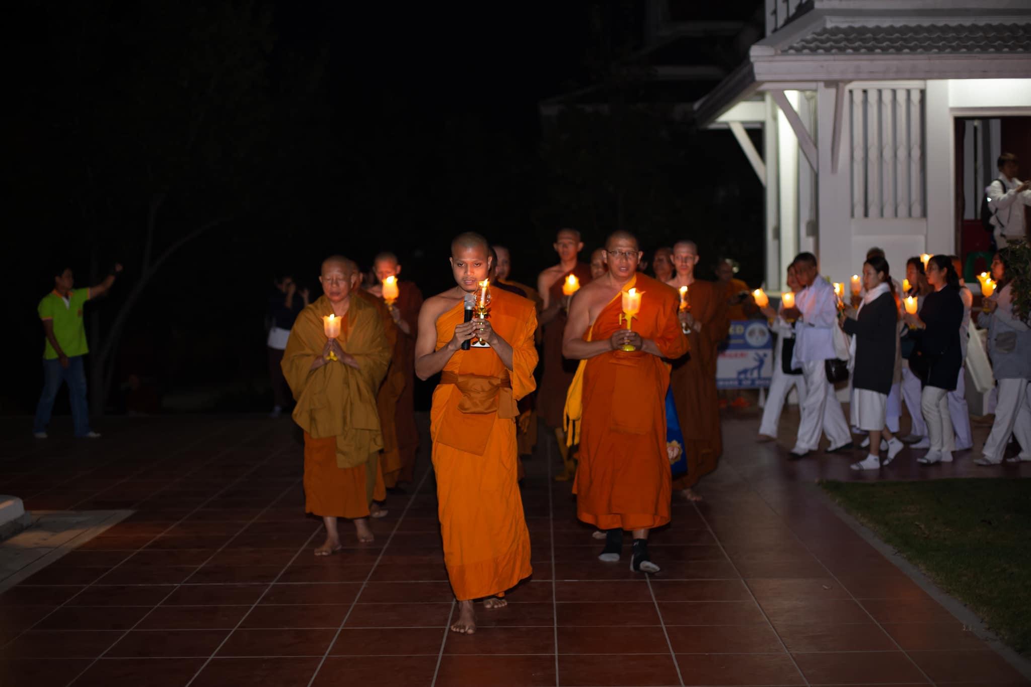 Asalha Puja Day 05 - แนะนำวิธีเวียนเทียนอย่างไร ให้ถูกต้องและได้รับบุญใหญ่