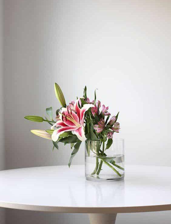 Lily 03 e1592550948823 - ความหมายของดอกไม้แต่ละชนิด ที่นิยมนำมาจัดใส่แจกัน