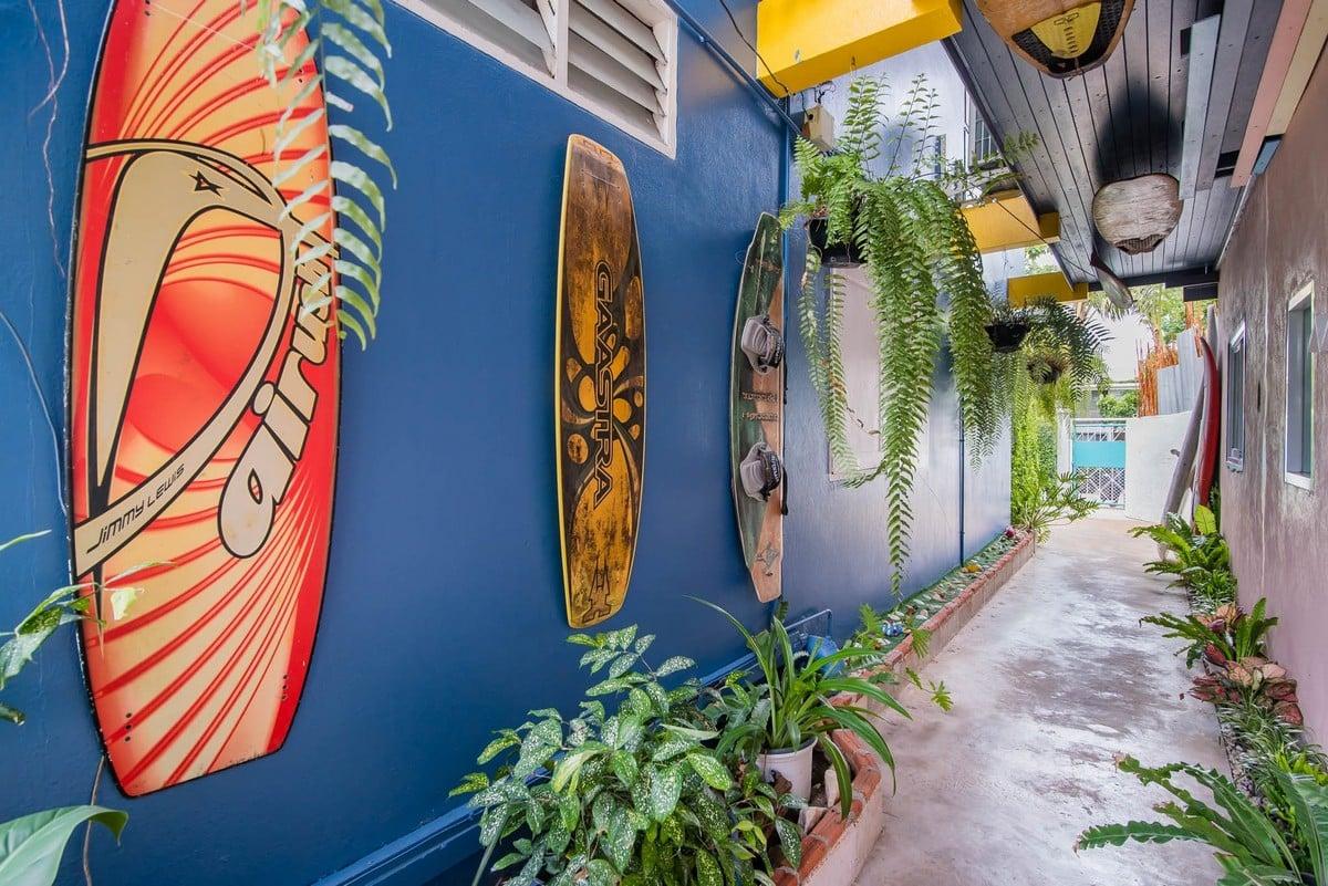 Surf House Hua Hin2 - 5 สถานที่ท่องเที่ยวของไทย สำหรับสายเฮลตี้ ออกกำลังกายได้แม้ตอนไปเที่ยว