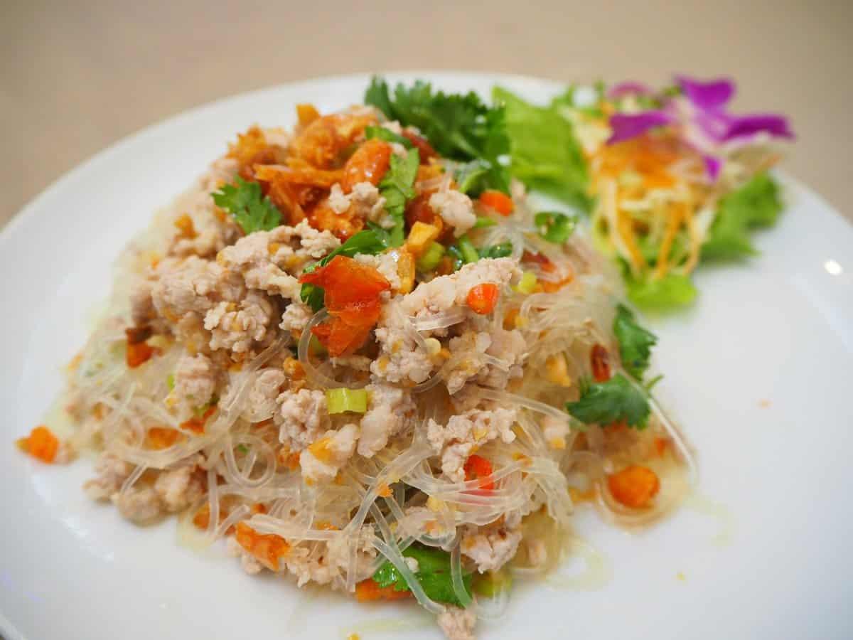 Diet food 24 - แนะนำ 20 เมนูอาหารตามสั่งที่ไม่อ้วน เที่ยงกินได้ เย็นกินแล้วไม่อ้วน