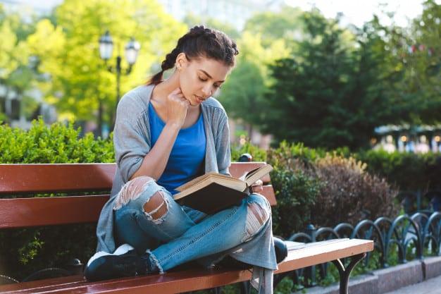 make yourself a book lover 02 - แนะนำเทคนิคทำอย่างไรให้ตัวเองเป็นคนชอบอ่านหนังสือ
