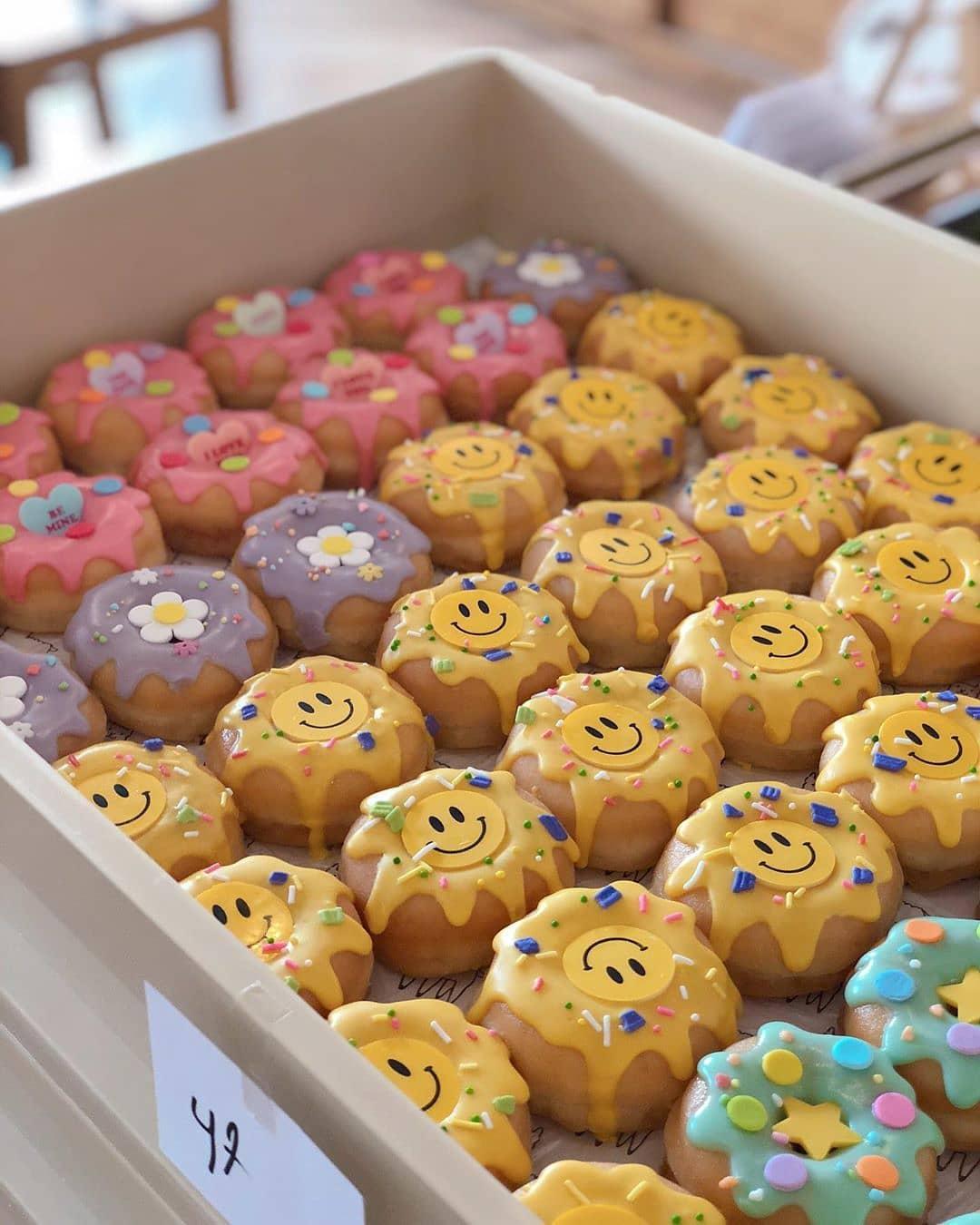 donut 07.. - แนะนำ 7 ร้านโดนัทแสนอร่อย แป้งนุ่ม หน้าล้น ที่ไม่ควรพลาด